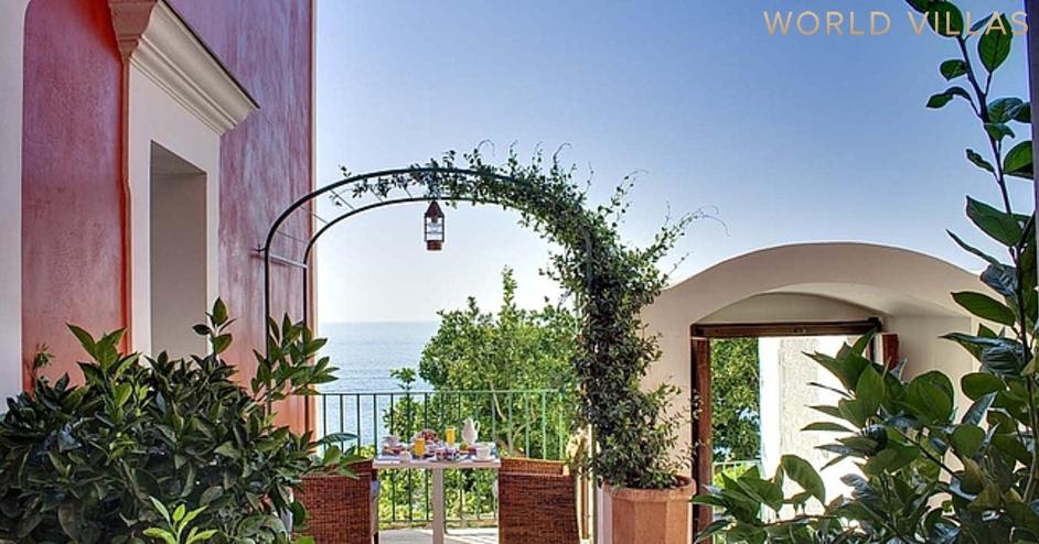 Дом в Неаполь у моря фото